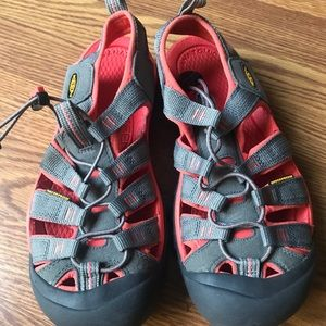 *New* Keen Women's Shoes Size 8